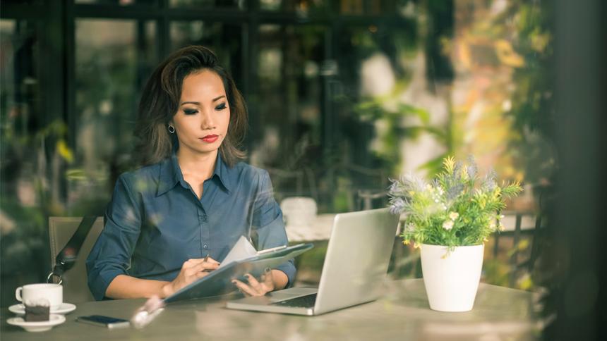 writer working in corporate writing