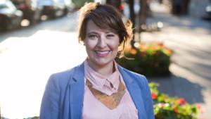 Delia Paunescu headshot