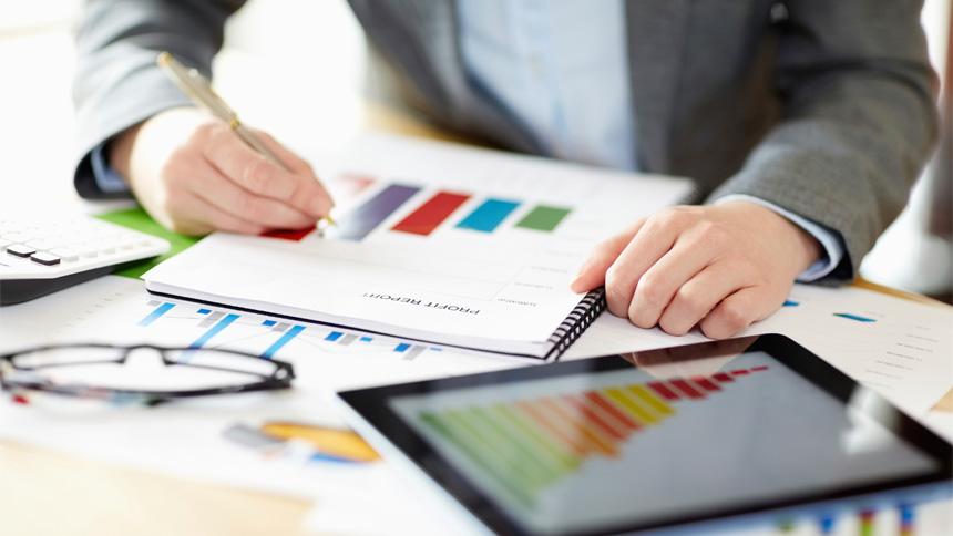 digital marketing using charts and graphs