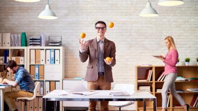 job-seeker juggling oranges